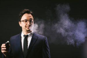 【VAPE(電子タバコ)愛用者が教える】正しいVAPEの吸い方・使い方