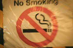 【完全無煙】嗅ぎタバコって何?嗅ぎタバコの正しい使い方とおすすめ商品を徹底解説!